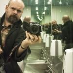 mirrored bthroom